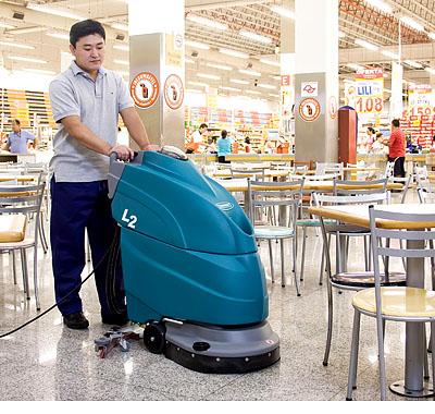 美国坦能工厂餐饮酒店商厦商超专用手推式洗地机L2